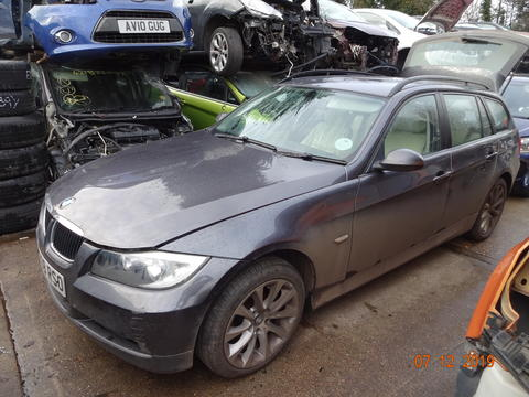 Breaking BMW 3 Series for spares #1