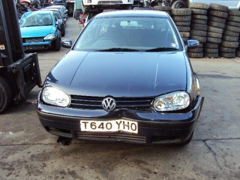 breaking volkswagen golf 1 4 16v in waterlooville hampshire. Black Bedroom Furniture Sets. Home Design Ideas