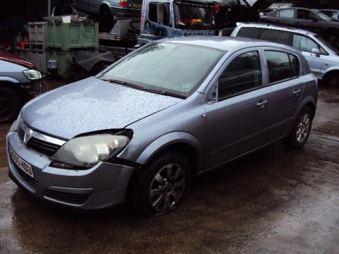 Breaking Vauxhall Astra 1.4 Twinport for spares #2