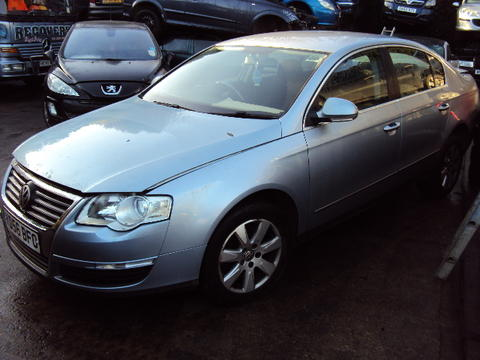 Breaking Volkswagen Passat 2.0 tdi for spares #2