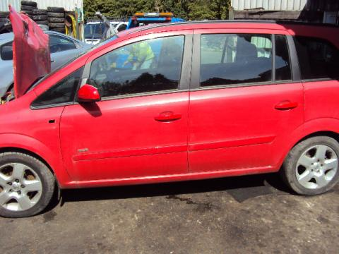 Breaking Vauxhall Zafira for spares #4
